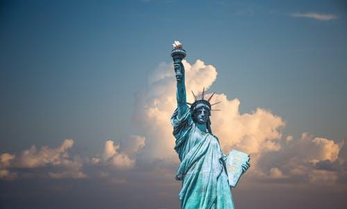 什么是美国国家利益豁免,NIW国家利益豁免可以移民吗?